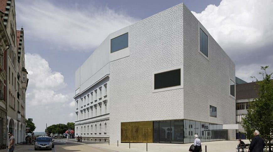 Denia Solutions Projektai Betoninio fasado tvirtinimo sprendimai HALFEN Vorarlberg Muziejus Bregenz Austrija